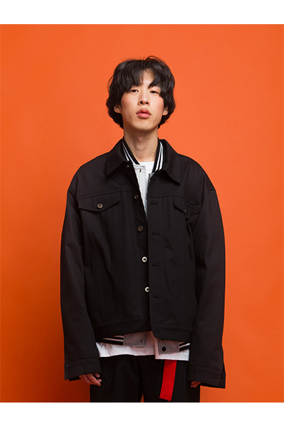 TRUCKER JACKET W/ BADGES (BLACK)