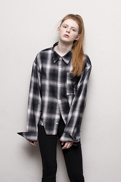 CROPPED CHECK SHIRT (BLACK)