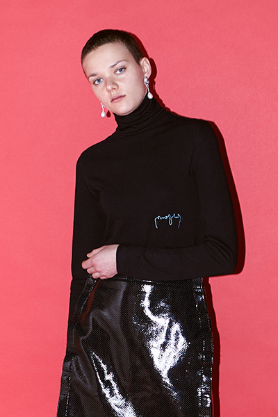 LOGO TURTLENECK (BLACK)