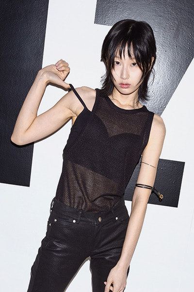 ASYMMETRIC SLEEVELESS (BLACK)