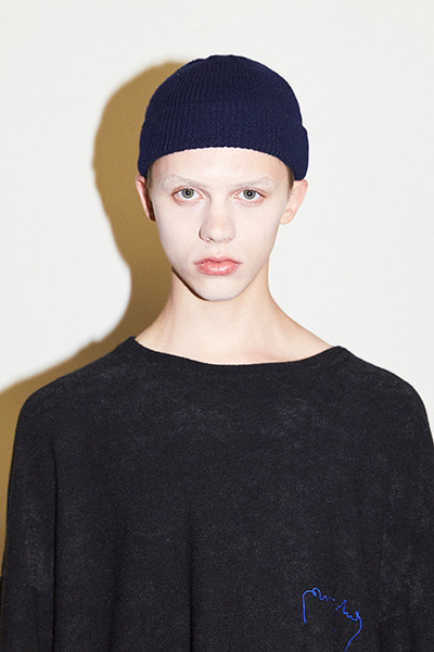 BASIC SHORT BEANIE (NAVY)