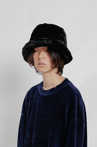 FAUX FUR BUCKET HAT (BLACK)