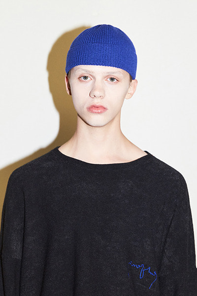 BASIC SHORT BEANIE (BLUE)